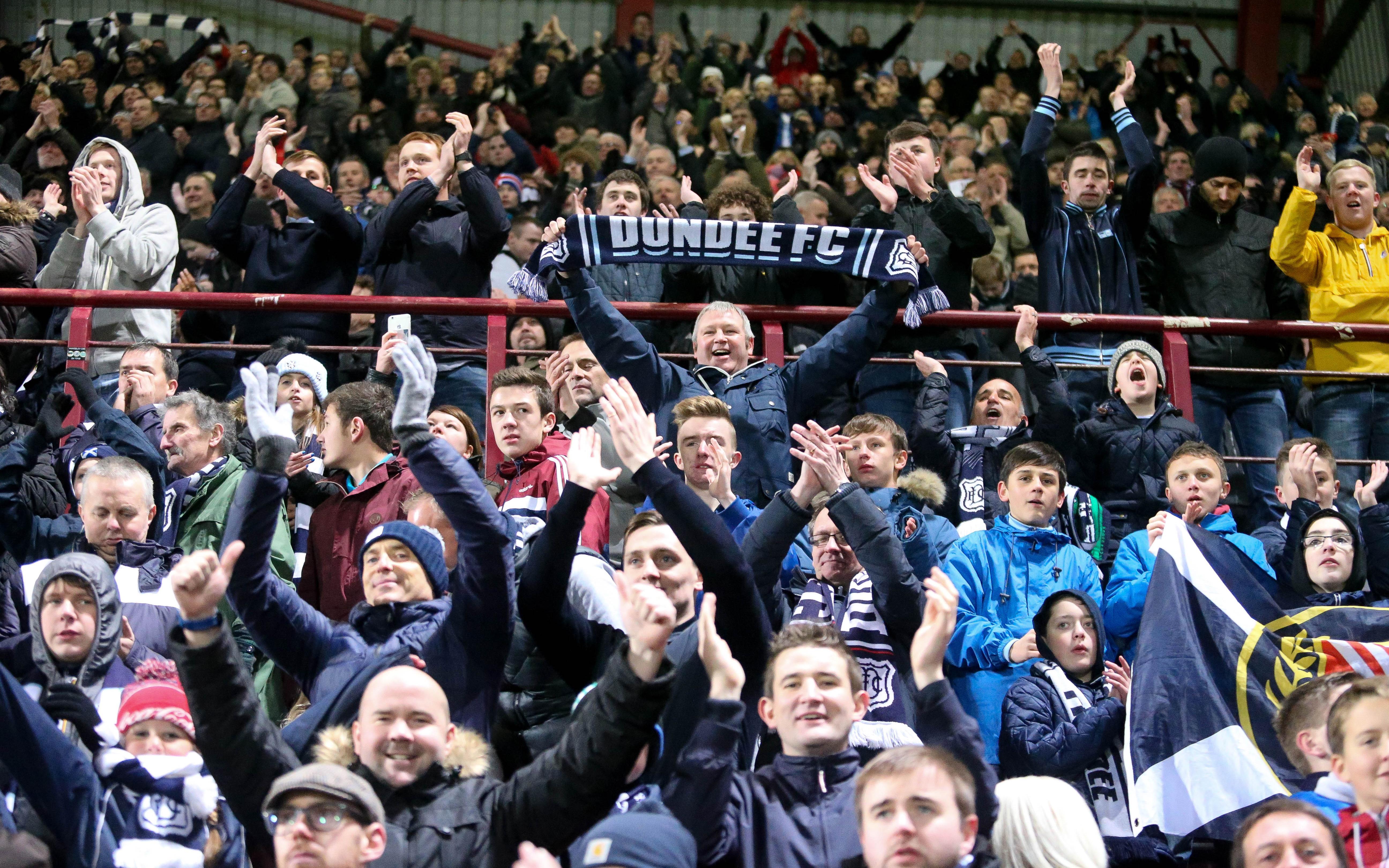 [Image: 21-11-2015-Hearts-v-Dundee-dy-01750.jpg]