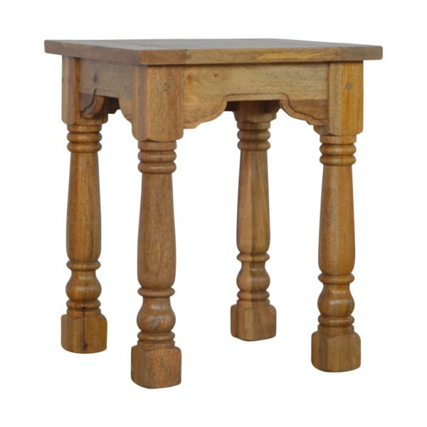 Country Style Petite End Table with Turned Legs