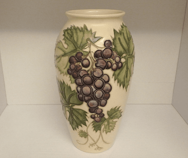 Moorcroft Collectors Club Vase – Grapevine