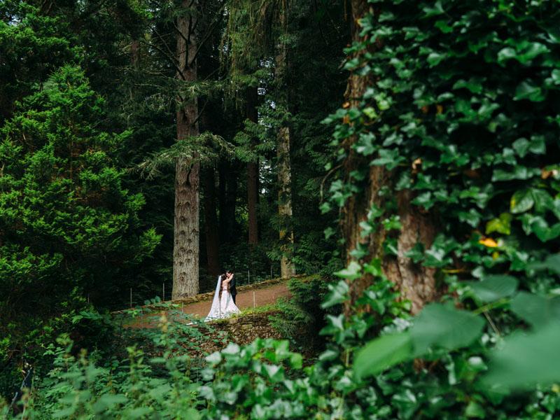 wedding-couple-blair-castle-scotland