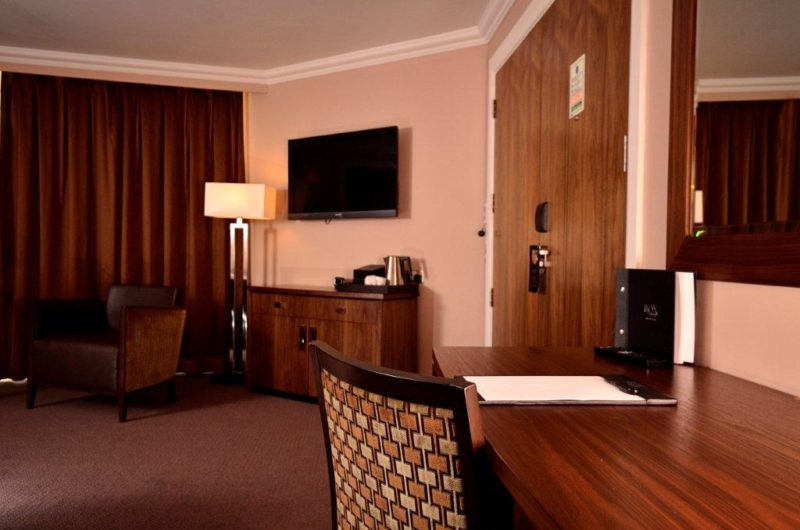 Rox Hotel Aberdeen desk & hospitality unit