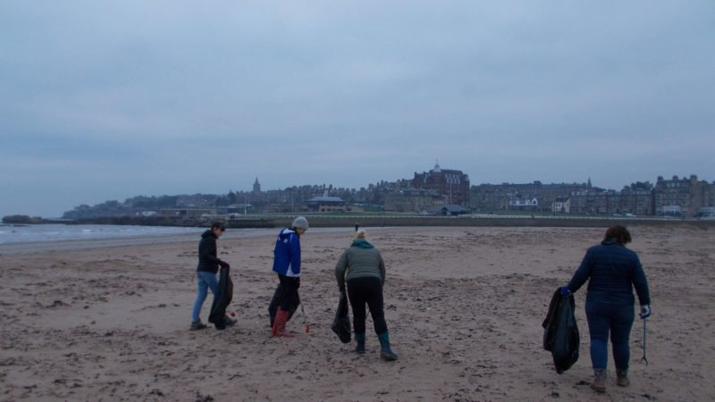 Beach clean St Andrews