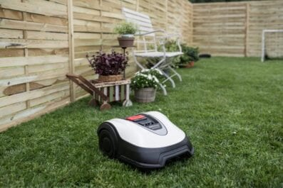 Stihl RMI422 Robotic Lawnmower