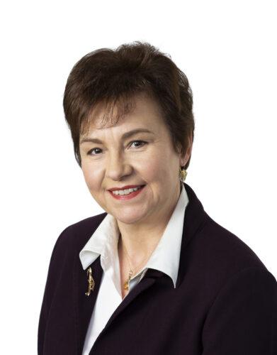 Portrait photograph of Linda Duncan
