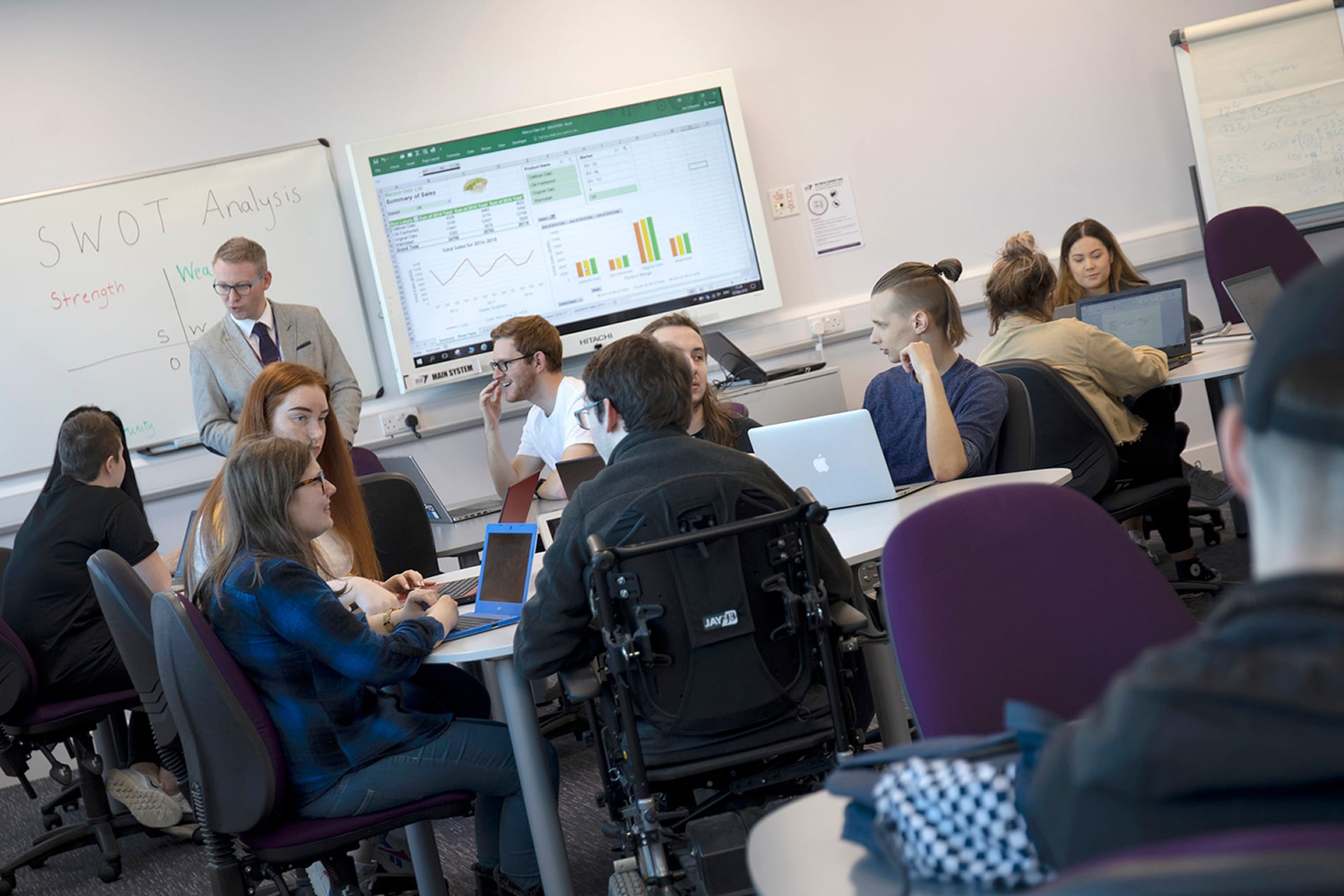 Law, accountancy and business professions in the spotlight at NESCol open events