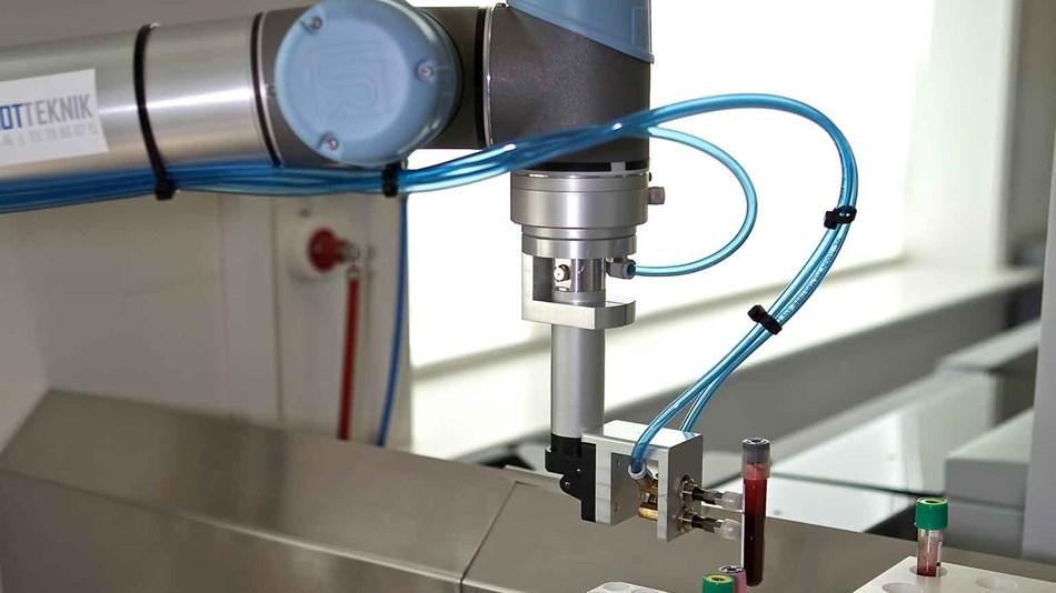 Robot handling blood samples
