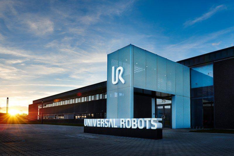 Universal Robots Benefits - SP Technology