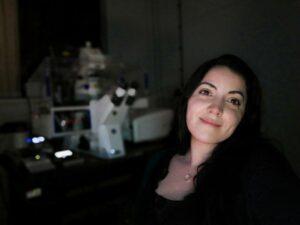 Joana Faria in the microscope room